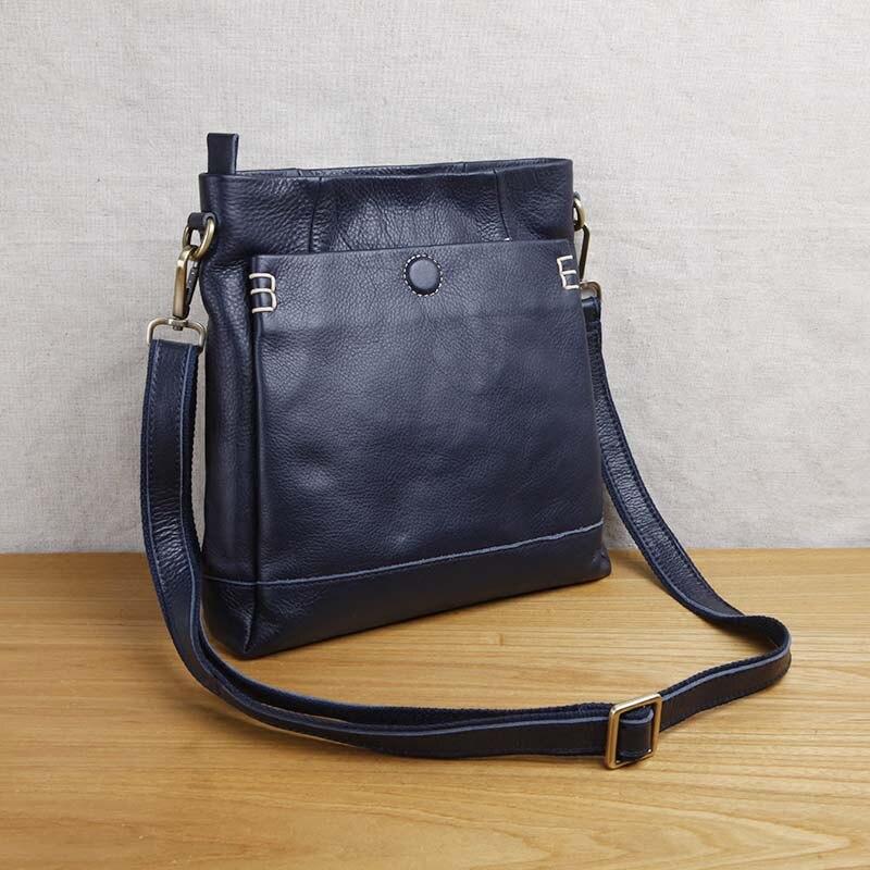 AETOO Handmade leather men s shoulder messenger bag first layer cowhide retro vertical men s bag