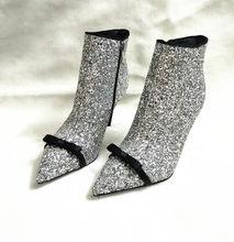 2c878da13 Cubierta del brillo mujeres Sexy Pointy Toe tobillo botas arco lindo moda  botas de tacón alto 2018 más nuevo vestido femenino bo.