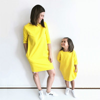 2017 Autumn Mother And Daughter Dress Half Sleeve Solid Yellow Warm Women Kids Girls Party Dresses