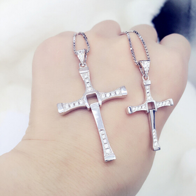 Beautiful  Cross pendant necklace in 925 sterling silver with small and big size