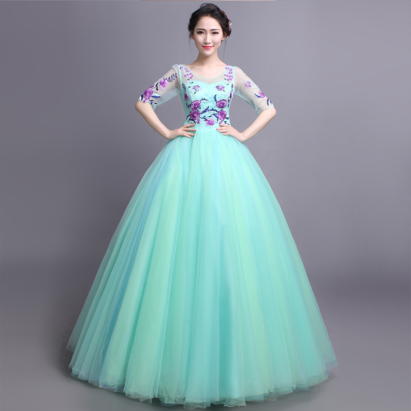 Quinceanera Dresses New The Half Sleeve Sexy S coop Neck Classic Embroidery Floor-length Ball Gown Candy Color Noble Prom Gown