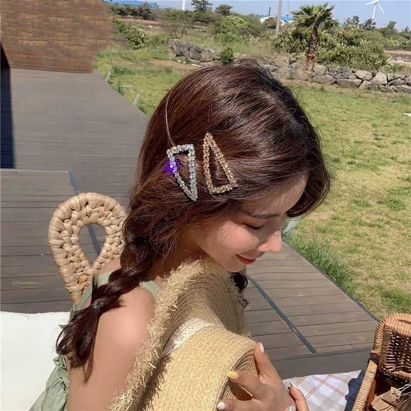 1Pc brillant géométrie épingles à cheveux cristal brillant strass Triangle pinces à cheveux femmes Hairgrip cheveux accessoires