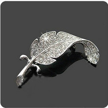 Exquisite Fashion Simple Selling Wholesale Price Brooch Gift Gathered In Large Leaves Feather Brooch Silver