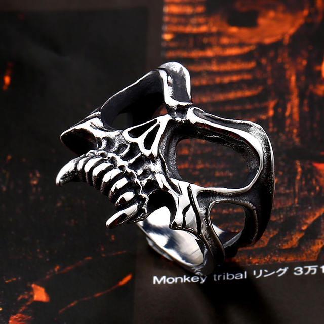 ステンレス鋼の吸血鬼の頭蓋骨のリング
