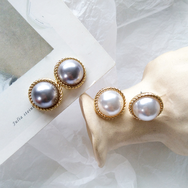 Stud earrings female metal round pearl women stud earrings elegant fashion minimalist pearl stud earrings earrings of women