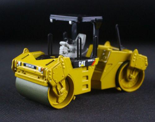 Norscot 55132 Cat Caterpillar CB-534D XW Ashphalt Compactor 1/50 Scale DieCast цена