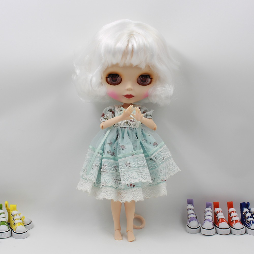 Neo Blythe Doll with White Hair, White Skin, Matte Face & Jointed Body 4