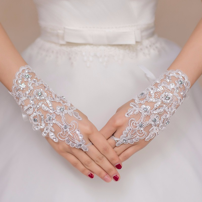2018 Free Shipping Fashion Fingerless Short Beaded Lace Wedding Gloves Bridal Bride Gloves Accessories