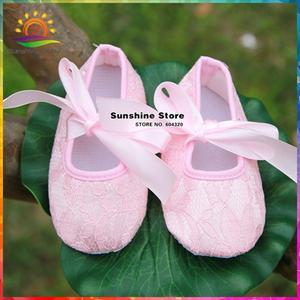 pompomkid Girls shoes bebe baby prewalker 4 pair lot 9e80f0a40b0