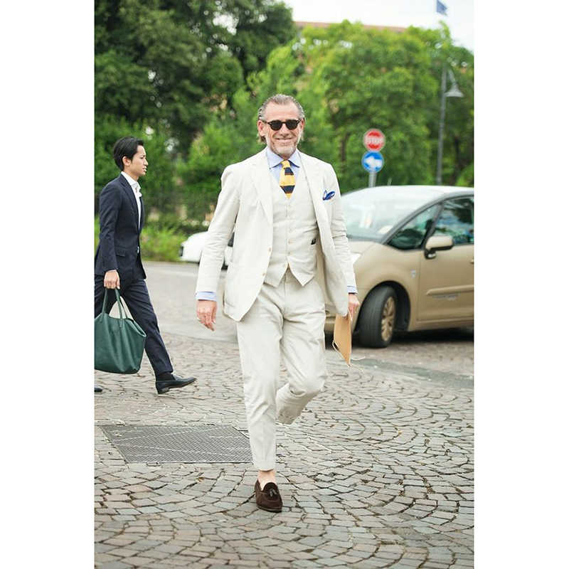 2017最新コートパンツデザインベージュリネン夏ビーチ男性スーツスリムフィット3ピースブレザーメンズスーツ新郎タキシードterno masculino