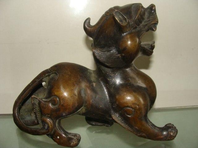 etnička crna maca