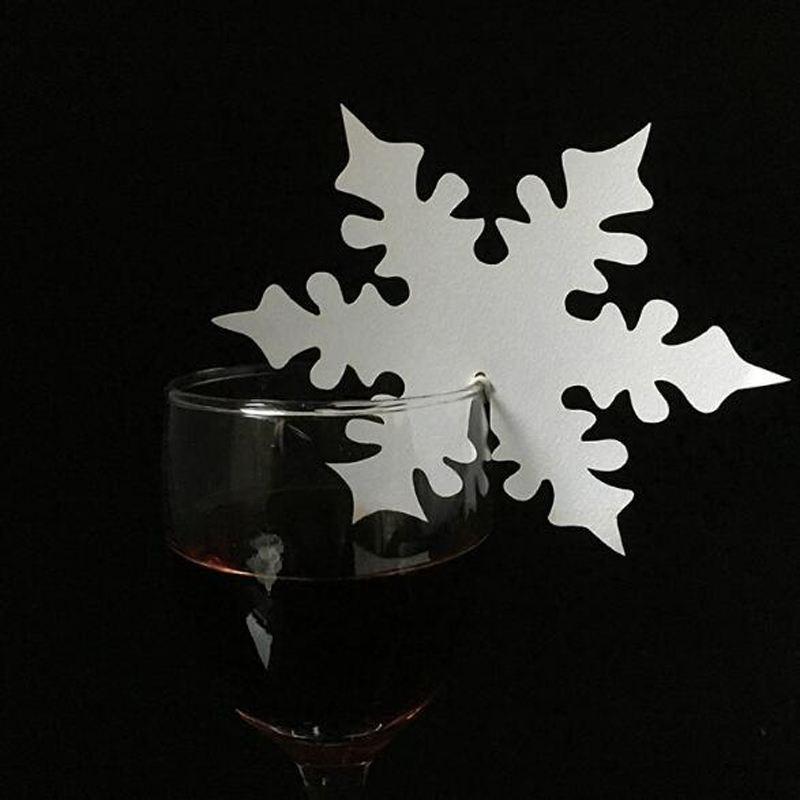 HOMEBEGIN 50pcs Snowflake Laser Cut Paper Glass Paper Card / Place Card / Escort Card / Cup Card For Wedding Decoration Favors