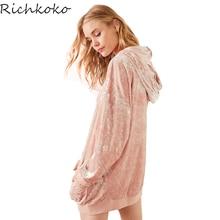 Richkoko Для женщин розовый бархат с капюшоном платье Повседневное карман с длинным рукавом Мини-платья прелестные модные туфли Свободные Толстовка Платье Топы корректирующие