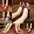 Размер 34-41 Весна Лето Женщина Старый Пекин Ткани Обувь Китайский Цветок Вышивка Случайные Танцы Квартиры мягкие одиночные обувь