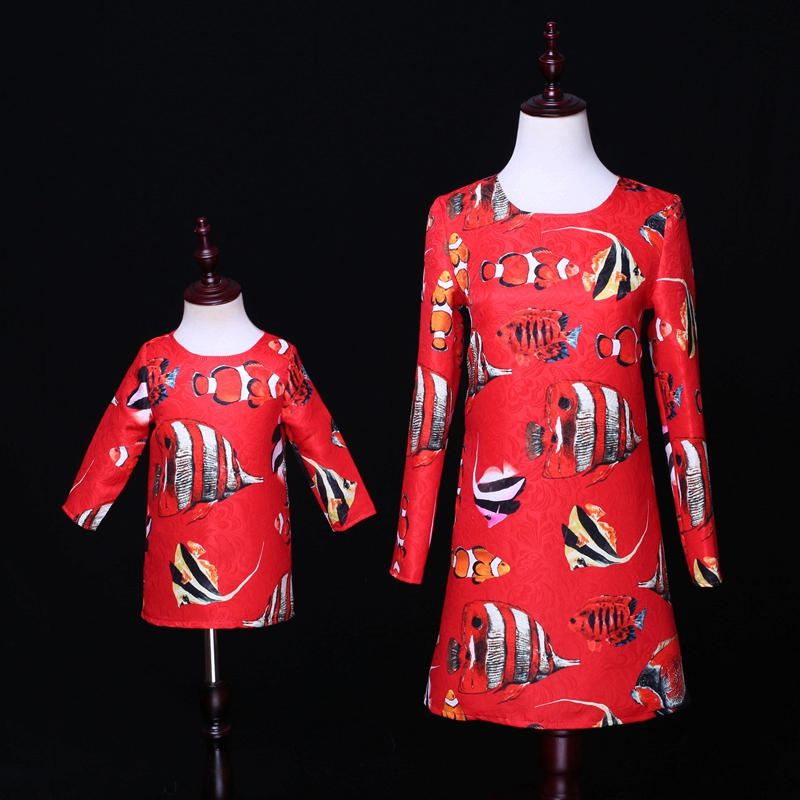Spring Brand new family clothes infant fish print jacquard kids girl straight dress mother girl matching dress mom and girl look spring family matching outfits children clothes long sleeve jacquard mom kids girl dress mother daughter red tropical fish dress
