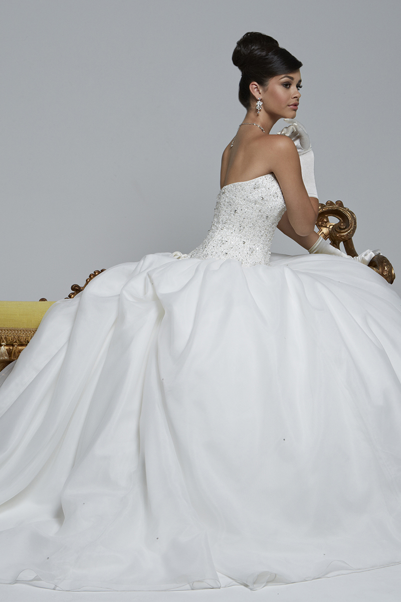 Stunning beaded rhinestones ball gown plus size wedding gowns bustle ...