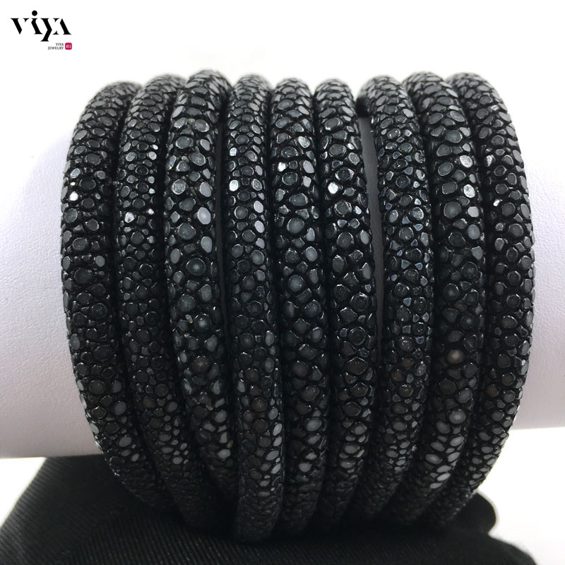 black-stingray-leather-cord-available-diameter-4-mm-5-mm-6-mm-(6)