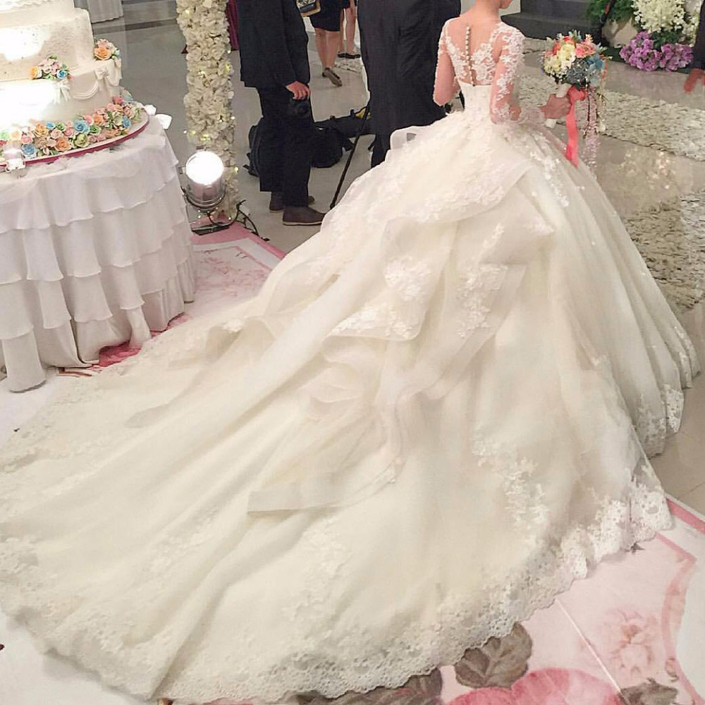 ed4b33b42258 Robe De Mariage Luxury Wedding Gown Royal Train Scoop Casamento Ball Gown  Princess Wedding Dress Lace 2017 Long Sleeves