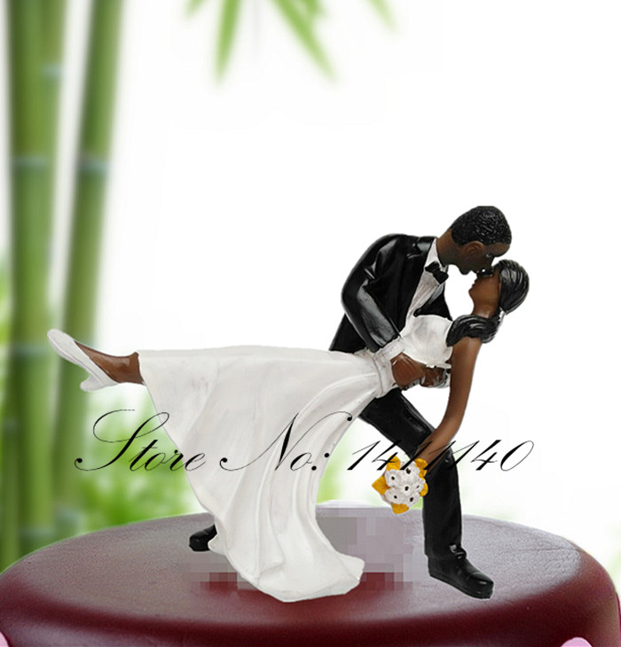 Black skin dancing bride and groom couple figurine wedding for African skin decoration