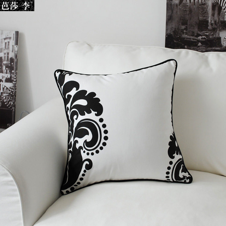 bsl cc42 black and white baroque flower printing decorate cushion cover pillow case throw pillow. Black Bedroom Furniture Sets. Home Design Ideas