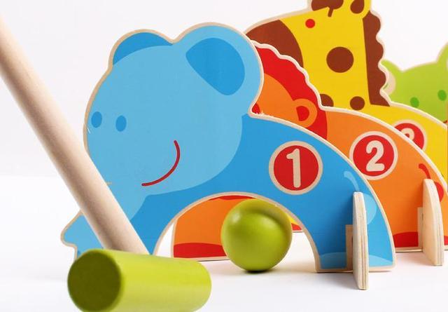 Envío gratis Más Juegos interactivos Animales Bola De La Puerta Los Niños/niños de madera puerta de juguete de bolas, escala modelos animales bola de la puerta