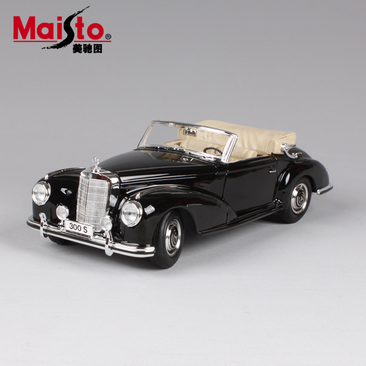 1 18 Die cast Alloy Large Car Models Collectible Home Decor Craft Vehicle Toys Children Simulation