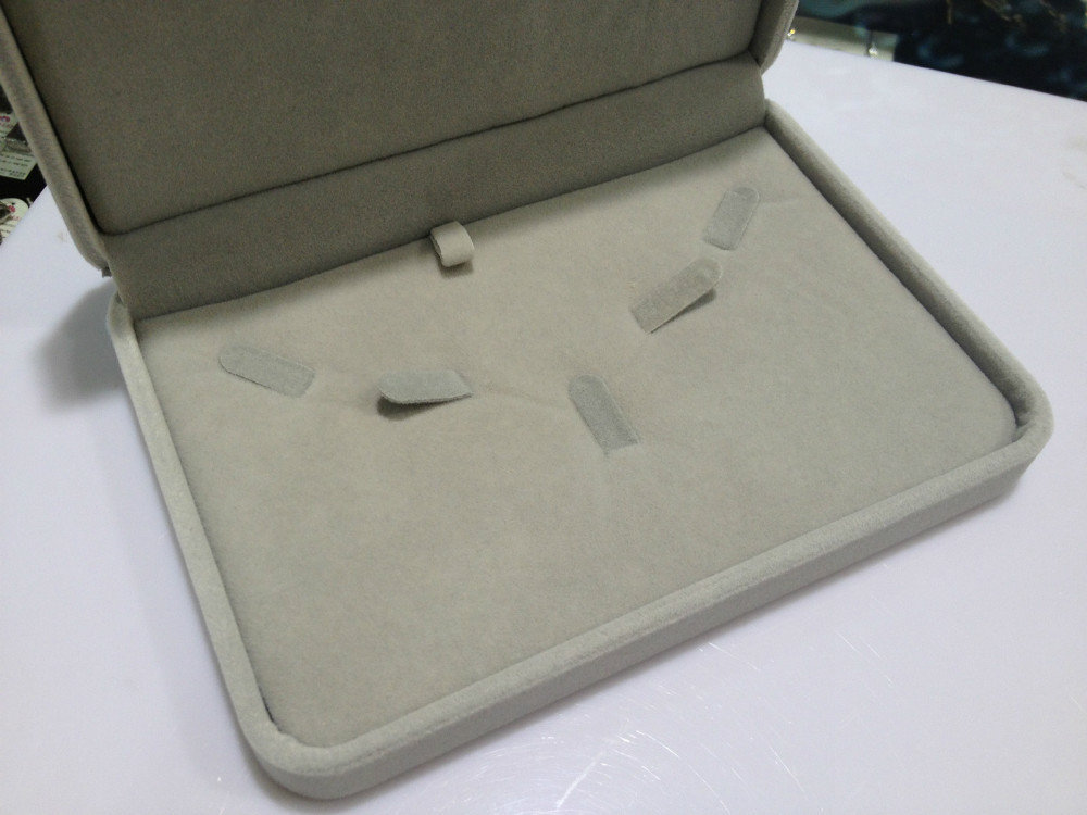 Jewelry Packaging Box Case Fresh Water Pearl Necklace Box Case Velvet Jewelry Box Case Grey