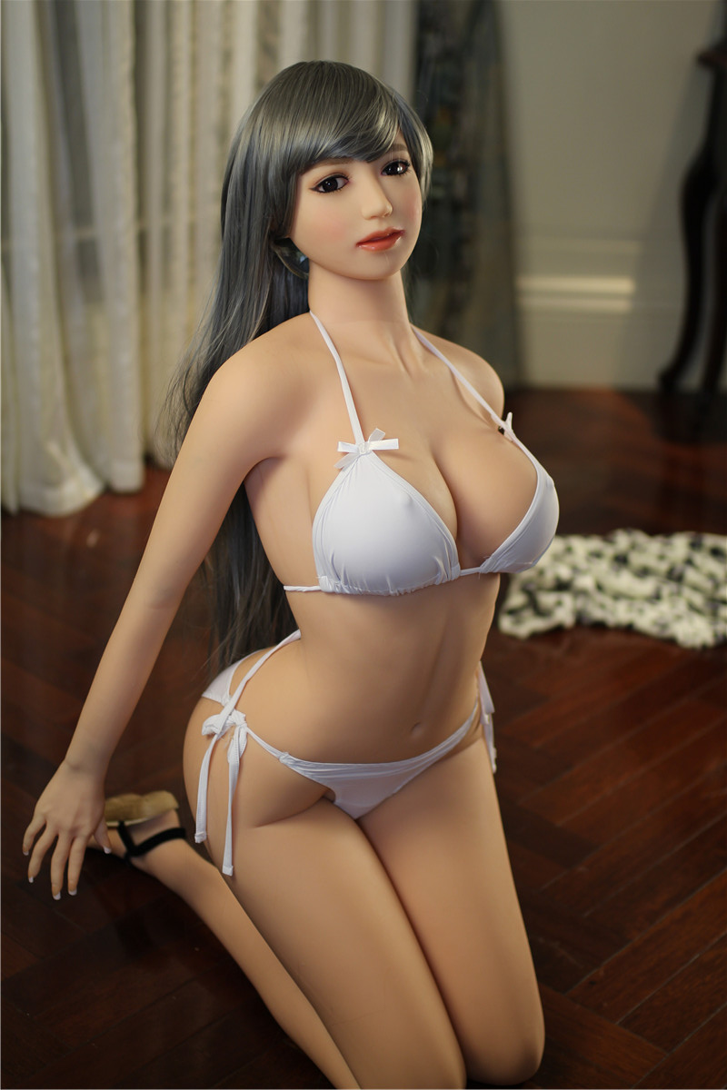 Cm on tits
