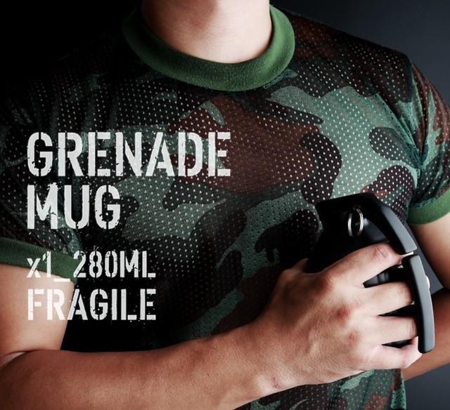 Official 2016hot sale Free Shipping Pineapple Hand Grenade Designed Ceramic Mug Cup Novelty Grenade Tea Cup for birthday gift 2