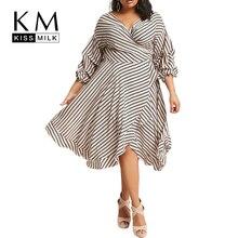 f825b106a Kissmilk زائد الحجم 2018 جديد أزياء المرأة الصيف مخطط فانوس كم v الرقبة  الكشكشة التفاف منتصف العجل ألف خط اللباس