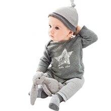 Повседневная осенне-зимняя одежда для маленьких мальчиков и девочек комплекты одежды для отдыха из 3 предметов(шапка+ футболка+ штаны) с маленькими звездами для маленьких мальчиков