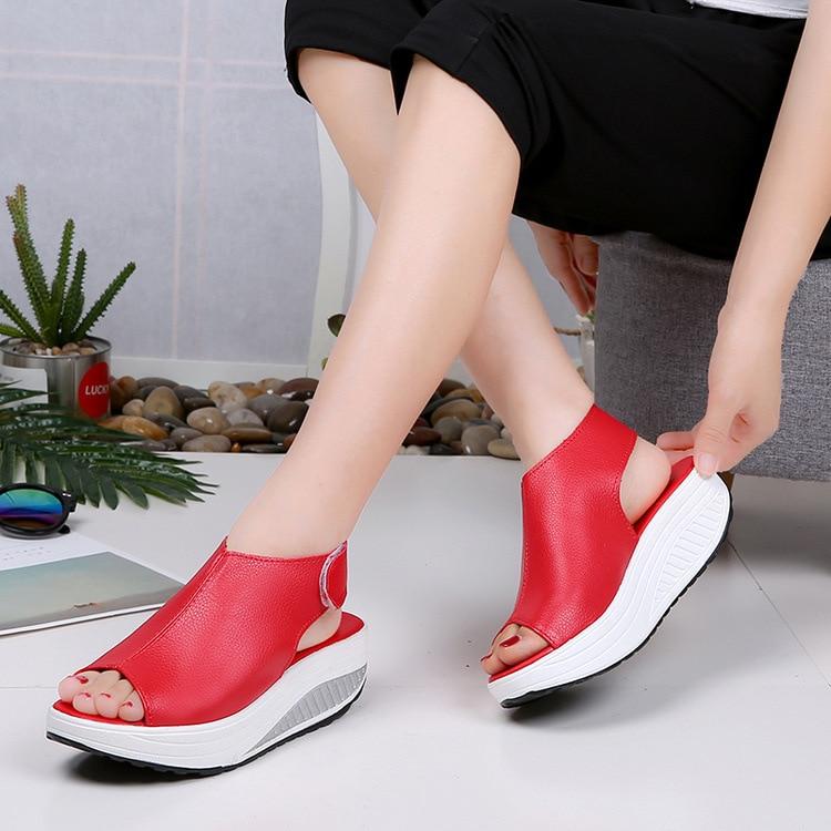 25725cc0373ecc Semelles Sandales Talons noir 2019 Peep Sandale Toe Cru Slyxsh Femme Mode  Pour Beige Orteil Coins Chaussures Compensées Femmes marron Hauts À rouge  D'été ...
