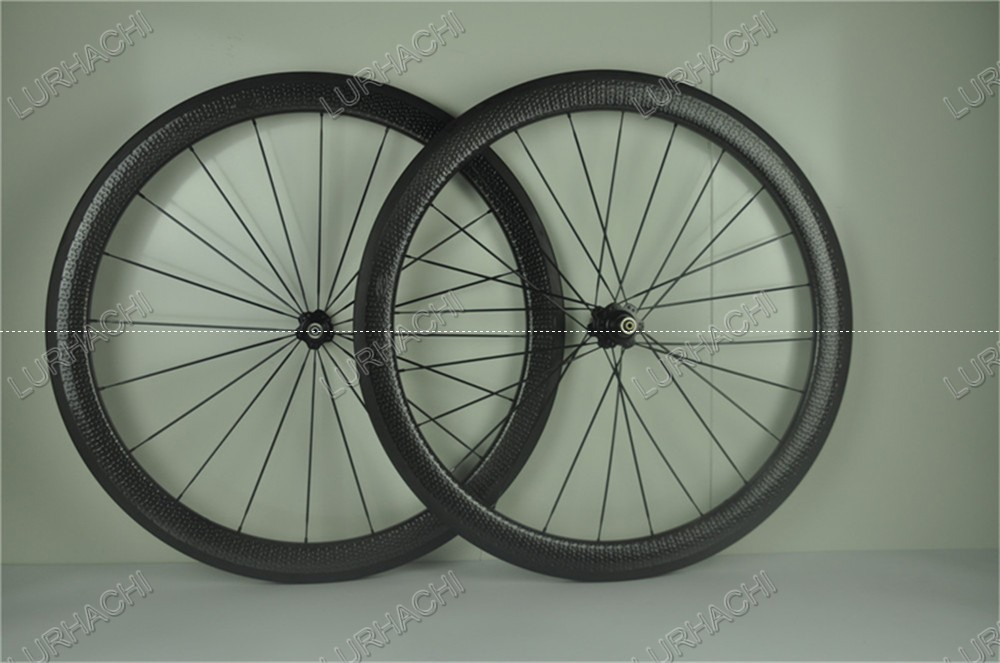 Dimple surface carbon wheels dimple wheelset carbon bike wheels 45mm rim depth 700C 25mm width with Novatec or Powerway hubs 700c road bike dimple carbon rims dimple carbon wheels 58mm depth 25mm width carbon wheelset 20 24h wheelset parts bicycle wheel
