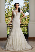 Vestido De Noiva Romantic Unique Short Sleeves Wedding Dress O neck Sheer Back Brush Train Vintage
