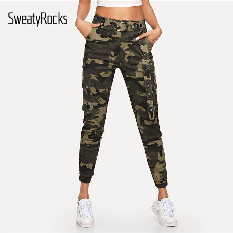 SweatyRocks Women Mid Waist Camouflage Pants Fashion Capri Trouser Ankle Length Sweatpants Streetwear Camo Pocket Belted Pants