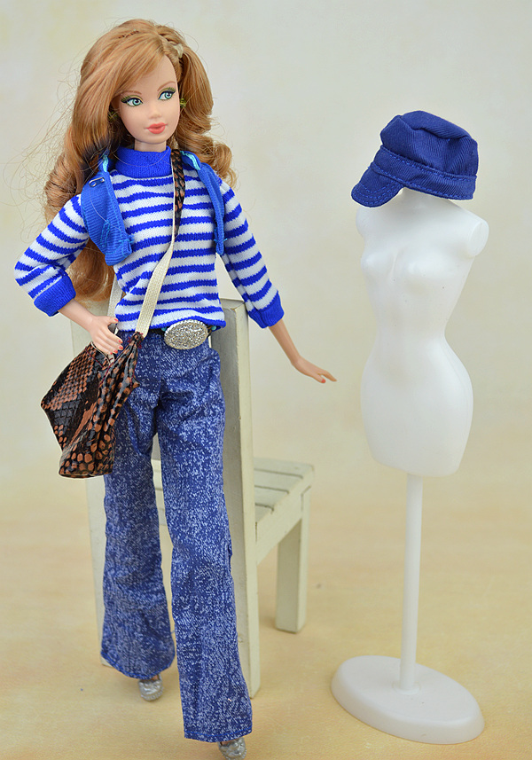 7 pcs/set Authentic Winter Put on Swimsuit / Blue Sweater Denims Hat Sneakers Doll Equipment Clothes For Toy Barbie Doll Toys for Lady