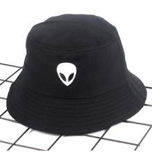 2018 hitam putih solid Alien Ember Topi Unisex Bob Caps Hip Hop Gorros Pria  wanita Musim Panas Panama Topi Pantai Matahari Meman. 6a300ed676