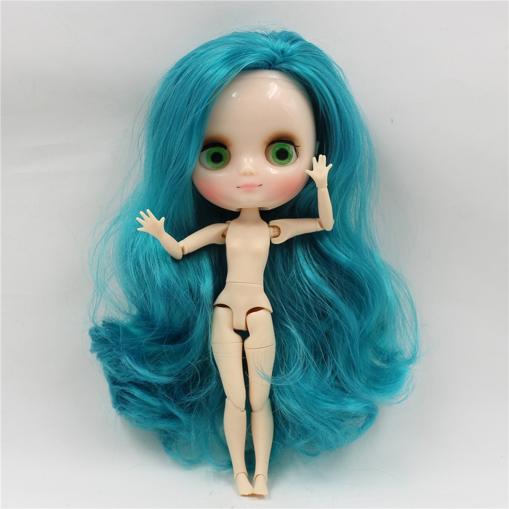 Middie Blythe Doll with Turquoise Hair, Tilting-Head & Jointed Body 4