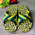 Durable Summer Men Sandals Comfortable Massage Slippers Indoor & Outdoor Beach Slipper Casual Plaid Flip Flops For Male