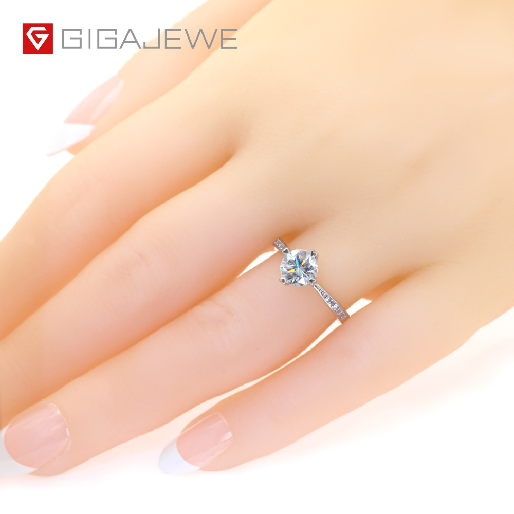 Image 2 - GIGAJEWE Moissanite Ring 1.0ct VVS1 Round Cut F Color Lab Diamond 925 Silver Jewelry Love Token Woman Girlfriend Courtship Gift-in Rings from Jewelry & Accessories