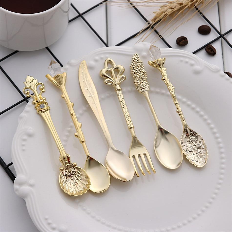 6pcs Vintage Spoons Fork Mini Royal Style Metal Gold Carved Coffee Snacks Fruit Prikkers Dessert Fork Kitchen Tool Teaspoon 1set 12