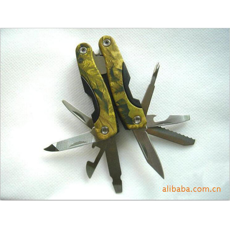 Outdoor survival gadget Small camouflage folding pliers Camping gadgets multifunctional tools plier outdoor gear