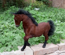 Simulation dark brown horse polyethylene furs white horse model funny gift about 36cmx30cm