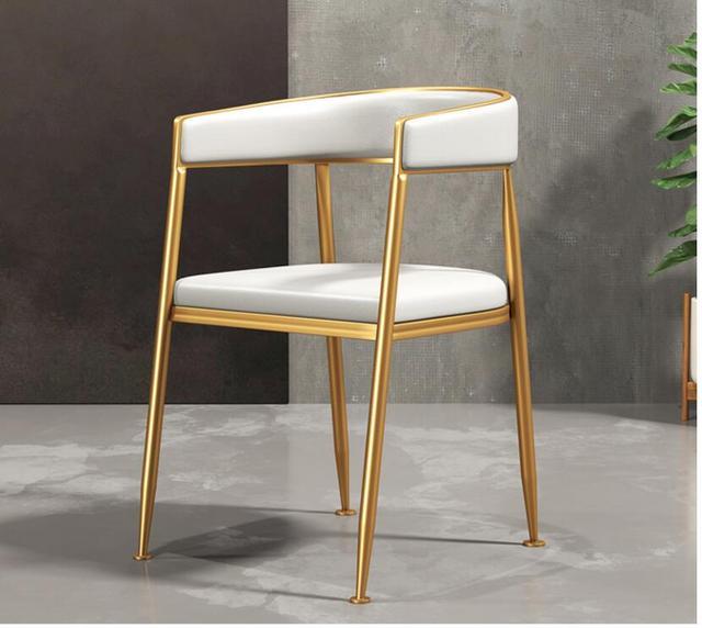 Light & Luxurious Chair