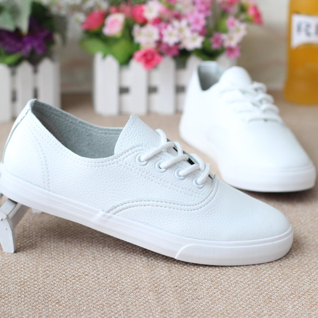 3d0bdf03a6 Mulheres Da Sapatilha de Couro Genuíno Sapatos Brancos Sapatas de Lona  Lazer Moda Sapatos de Lona