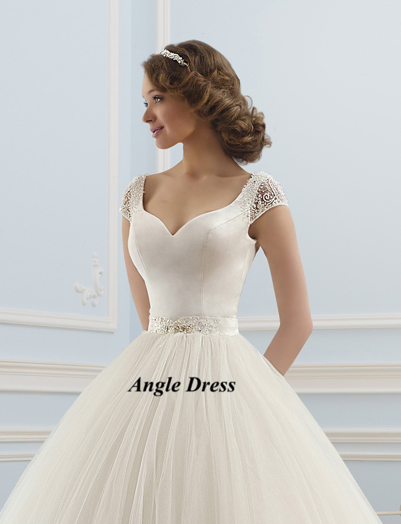 Simple White Vintage Ball Gown Wedding Dresses Cap Sleeve Backless ...