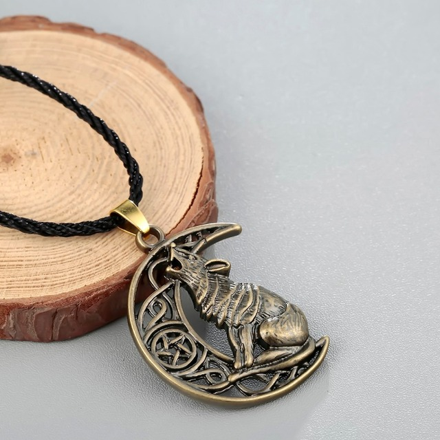 Chandler Money Wolf Celti Moon Viking Dog Necklace & Pendant Valknut Odin 's Symbol of Norse Viking Warriors Men's Accessary 2