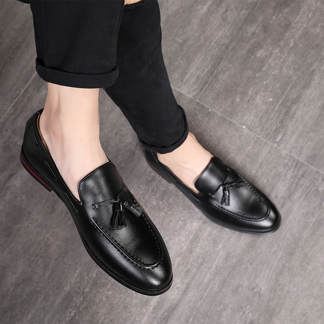 5aac65246c64f4 2018 New Fashion Handmade Tassel Loafers Black Bottom Genuine Leather  Gentleman Fashion Stress Shoes Men Business Driving Shoes