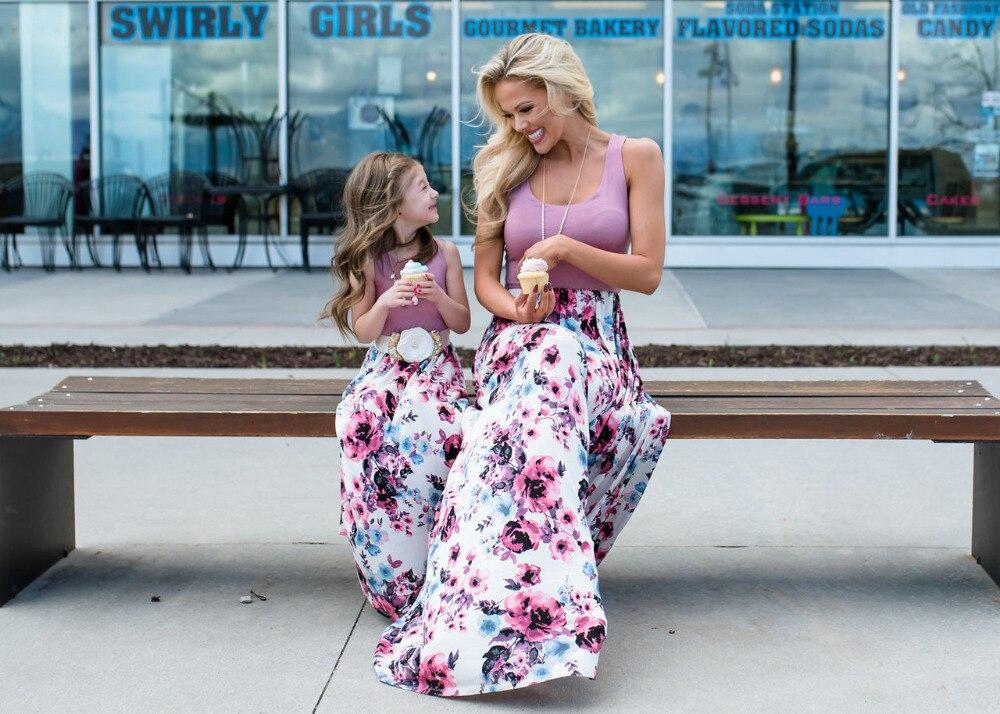 Abiti Vestiti di Vestiti Da Madre Figlia Famiglia di corrispondenza Vestiti 2019 di Estate Senza Maniche Vestito Lungo Floreale Mamma E Figlia Vestito