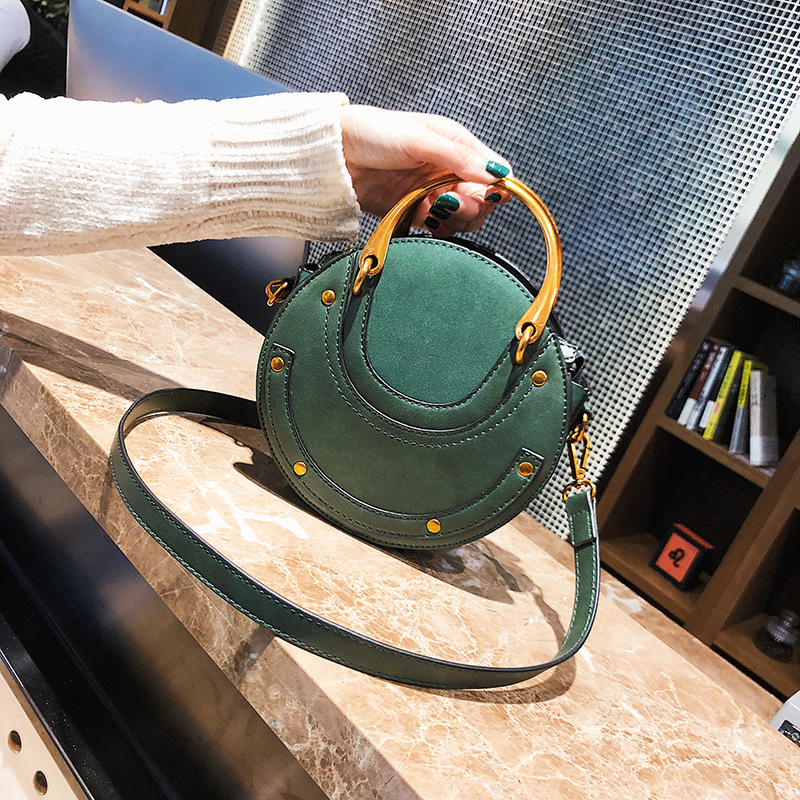 round bales female aslant joker of new fund of 2017 autumn winters is single shoulder bag is contracted his small bag